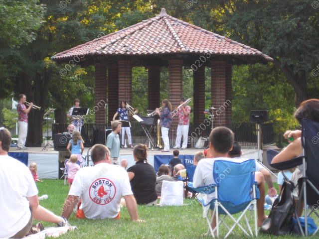 franklin-ma-concert-common-band-stand
