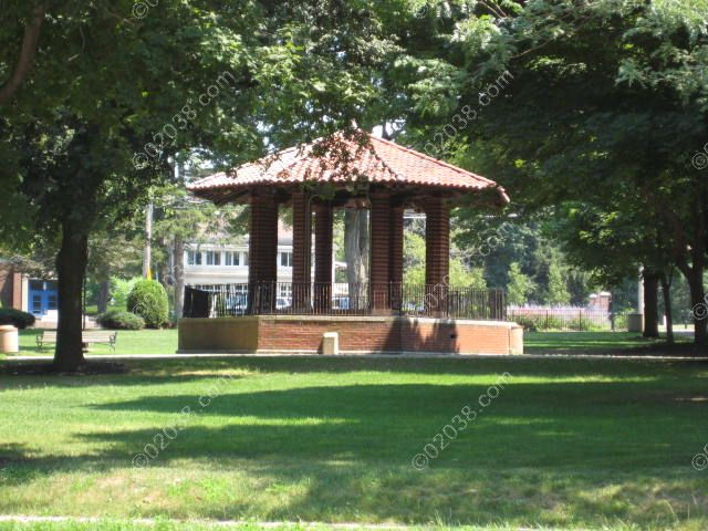 franklin-ma-town-common-gazebo