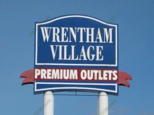Wrentham Premium Outlets Sign